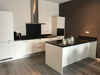 Brand new apartment close to subway and citycenter, Ámsterdam