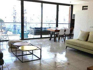 Gorgeous and Modern new 3 Bedroom, Tel Aviv
