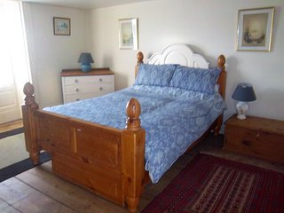 Bank House Holiday Apartment - Sleeps 4 - Pets Welcome - Peak District, Longnor