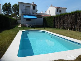 Juan de Almenara-Next to the beach, private swiming-pool and BBQ