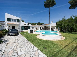 AroeiraMIR - Villa with private pool and garden, Lisbon South Bay  [38274/AL]