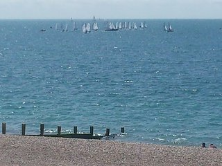Horizon View Holiday Aparment on the Beach 3 Bedrooms amazing sea views, Hayling Island