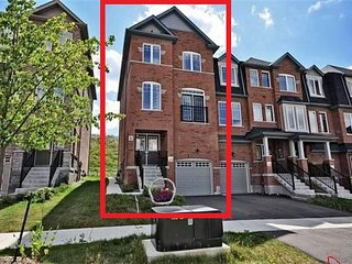 Luxury House to Rent in Brampton (Toronto)