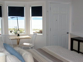 Secluded Beachfront Cottage walk on Waterfront Adults only