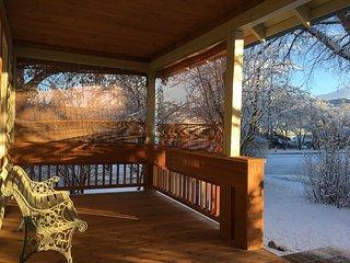 Cabin On Montana: A Quiet, Clean, Modern Cabin in Downtown Bozeman, Montana