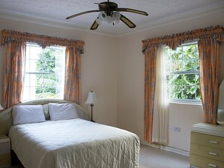 All Nations Guesthouse - Superior Double Bedroom, Jacuzzi tub, Pool & Gym area, Port Antonio