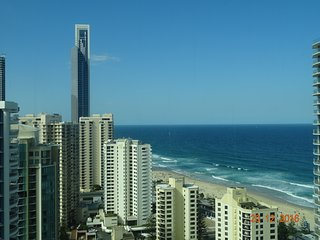 Q1 Resort, 3 Bedrooms, 2 baths, Ocean View, FREE Wifi, Secure parking. Huge area, Surfers Paradise