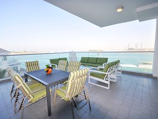 Stunning Sea Views - The Palm Jumeirah