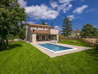 Design holiday Villa for 8 people in Central Istria, with Pool