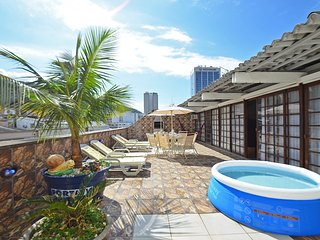 Excellent Penthouse Four Bedrooms One Block from the Beach #406 Q406, Río de Janeiro