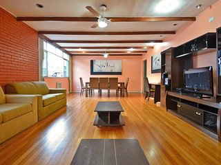 Penthouse Five Rooms Stunning Two Blocks from the Beach #503 I503