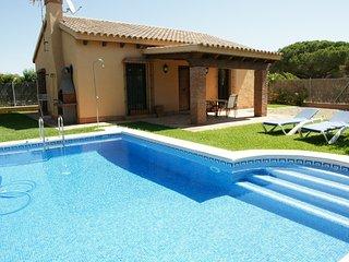 Casa rural 2 dormitorios con piscina a 1500 m de la playa