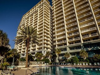Book your Vacay Now! Great Amenities and Beach Front!