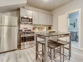 Dog-friendly, recently remodeled condo w/ great location for exploring the city!