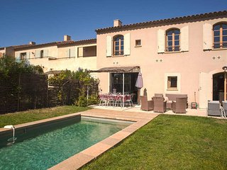 Les Jardins St Benoit, luxury villa with pool sleeps 8