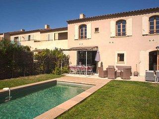 Les Jardins St Benoit, luxury villa with pool sleeps 8