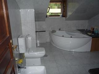 3rd bathroom with jacuzzi