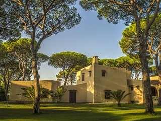 Villa L'Oleandra, luxury in Roccamare a few meters away from the beach, Pian di Rocca