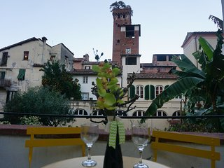 LE MELODIE DI LUCCA historical centre, terrace with views, free WiFi, Lucca
