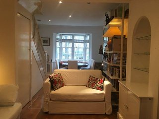 Ayca's London Pad