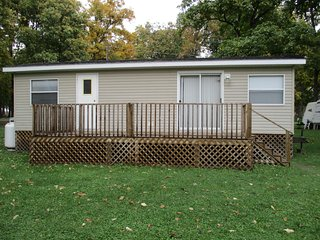Two Bedroom Cottage at Willowood RV Resort!, Amherstburg