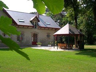 Gite 12 personnes, piscine, tennis, proche Chambord, Blois, Beaugency