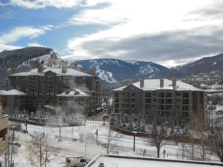 Available March 20th - 30th Beaver Creek & Vail  Mountain  Reduced price