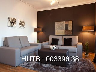 Urgell Moderno apartment in Eixample Esquerra with WiFi, balkon & lift., Barcelona