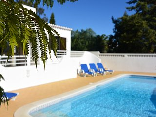 Three bedroom villa on Vale do Milho