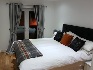 Langley Apartment - Bedroom Executive City Centre Apartment, Inverness