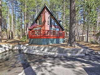 'The Pines on Pioneer' Impressive A-Frame Style 3BR South Lake Tahoe House w/Brand New Hot Tub & Sauna, Foosball Table & Fenced-In Dog Run – Only 5 Minutes from Heavenly Ski Resort!