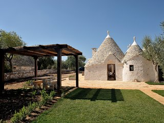 Trullo Due Ulivi with pool - drone tour and virtual tour 360 available