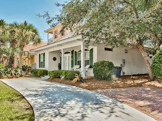 Magnolia Manor in Emerald Shores Walk to Beach, Destin