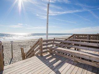 Annie's Getaway 4BR - Book 2017 Weeks NOW!, Surfside Beach