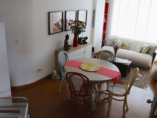 "Cozy ""Vintage"" 1bd apartment, Bogota"