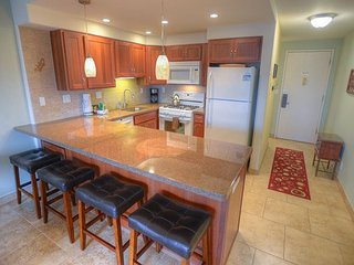 Renovated 4th floor Condo with a Spectacular Ocean View, Kihei