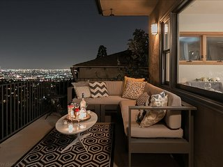 Jaw-Dropping Views in the Prime Hollywood Hills