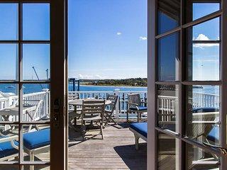 THARD - Dexter House, Luxuirious Harborfront Home, Village Center, Walk to Light