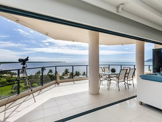 Cairns Luxury Penthouse