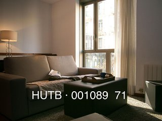Pedrera Viva II apartment in Eixample Dreta with WiFi, airconditioning & lift., Barcelona