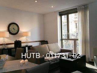 Pedrera Viva III apartment in Eixample Dreta with WiFi & lift., Barcelona
