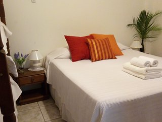 2 Big rooms for 4 guest each ,whith bathroom /air split /50m to beach