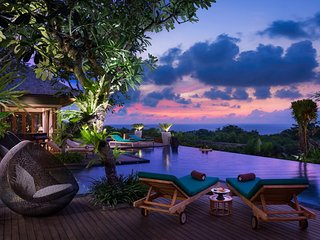 Clifftop Ocean View 7 Bedroom Villa, Nusa Dua;