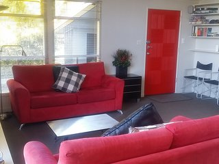 Funky, Central Queenstown Holiday Home