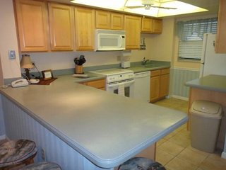 7520 Ridgewood Ave #307 :: Cape Canaveral Vacation Rental