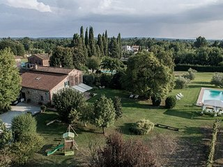 Villa close to Lucca with 5 bedrooms and 4 bathrooms with private pool and AC
