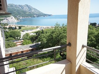 Comfort Two-bedroom Sea-view Apartment close to the sea
