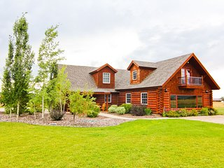 Fabulous Teton Views in Driggs, ID sleeps 8