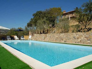 Detached villa in Tuscany with private-fenced pool. 4/5 bedrooms. Airco & Wi-fi, Chianciano Terme