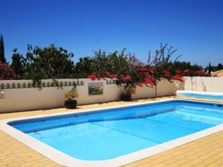 3 bedroom villa on quiet cul de sac in Vale do Milho